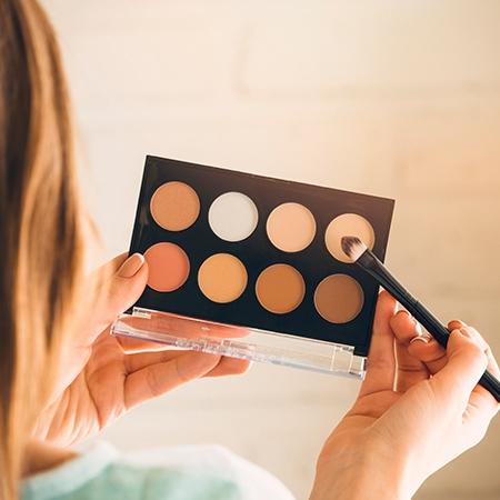 علت افزایش محصولات آرایشی قاچاق در بازار